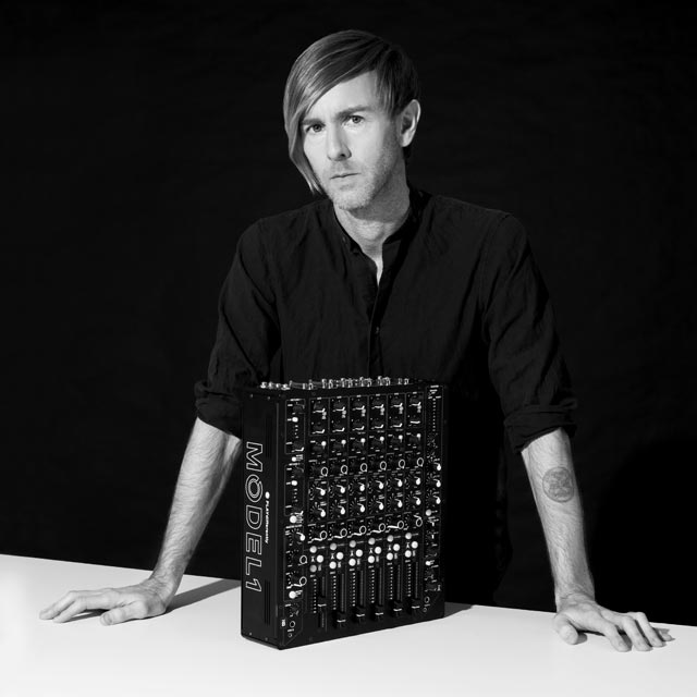 Richie Hawtin – PLAYdifferently